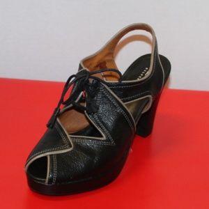 Re-Mix Deluxe Vintage Women size 6 Spain Heel